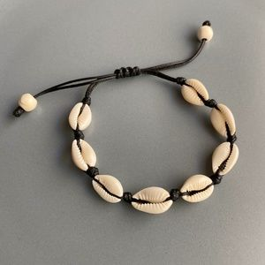 NEW Natural Cowrie Shell Bracelet (black rope)